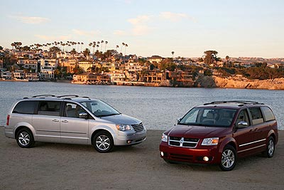 Chrysler Town & Country/Dodge Grand Caravan: Best New Minivan