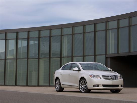 10 Things You Should Know About the 2010 Buick LaCrosse