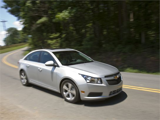 First Drive: 2011 Chevrolet Cruze Review