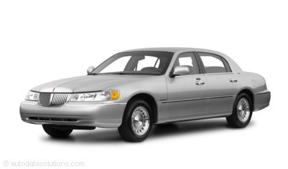 Kelley Blue Book ® - 2001 Lincoln Town Car Overview