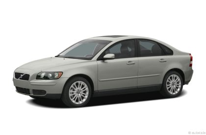Kelley Blue Book ® - 2004 Volvo S40 Overview