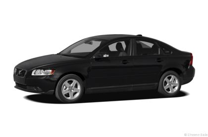 Edmunds.com 2010 Volvo S40 Overview