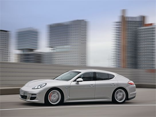 10 Things You Should Know About the 2010 Porsche Panamera